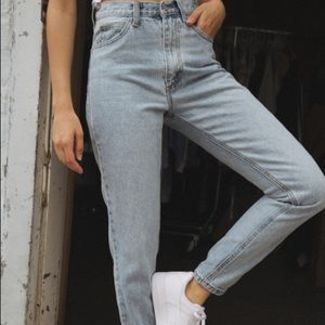 Brandy Melville John Galt Mom Jeans Medium
